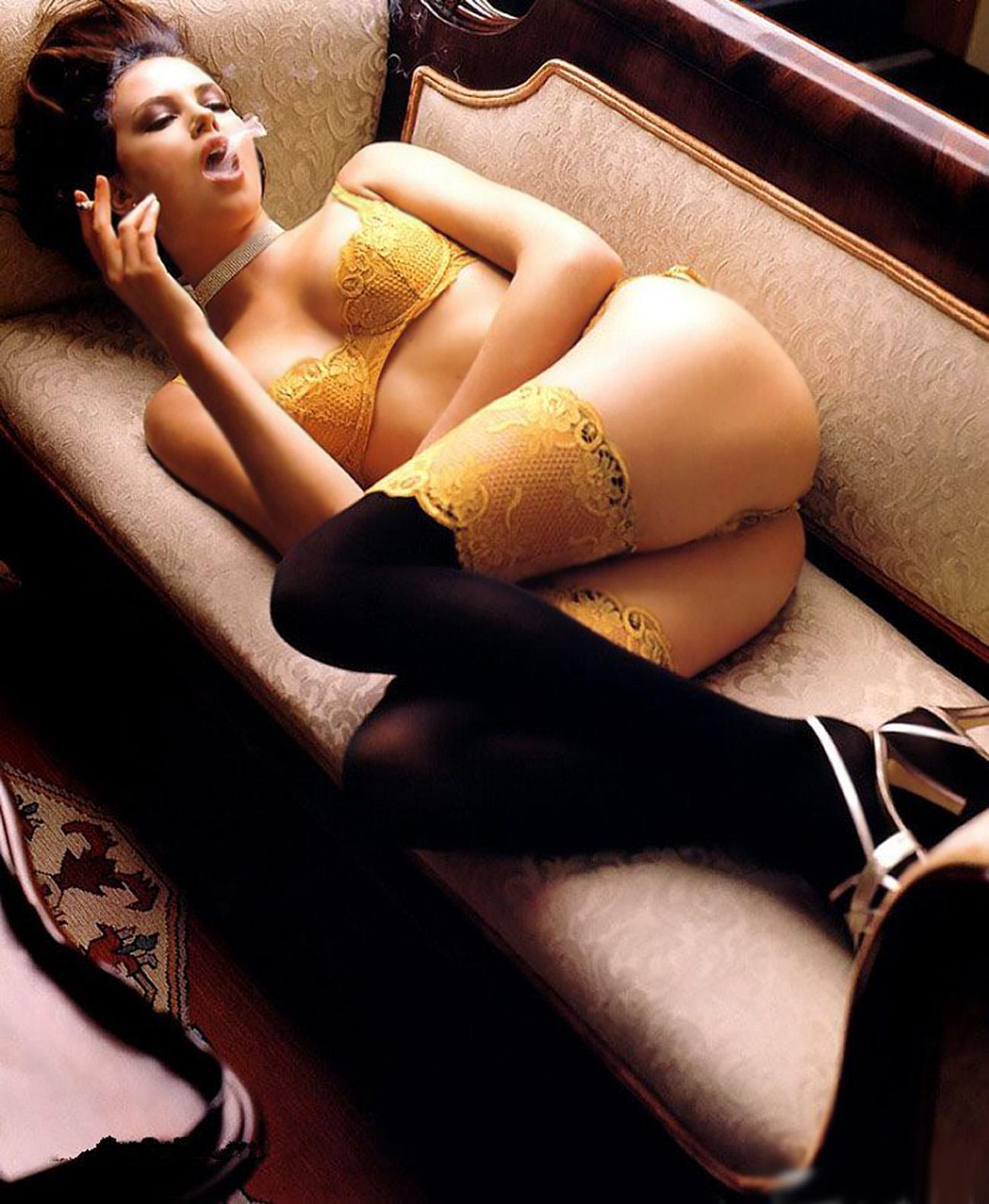 Эротические фото с сигаретой 17 фотография